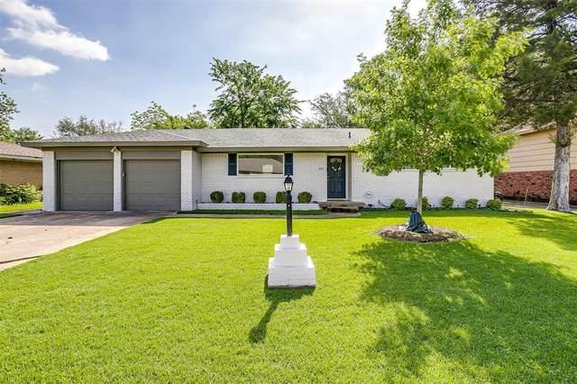 2112 Bonnie Brae Avenue, Fort Worth, TX 76111 (MLS #14568810) :: The Kimberly Davis Group