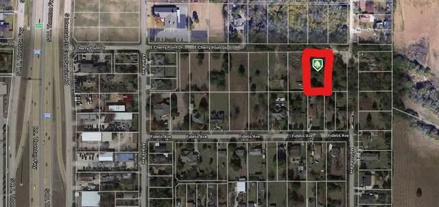330 E Cherry Point Drive, Dallas, TX 75241 (MLS #14568962) :: The Good Home Team