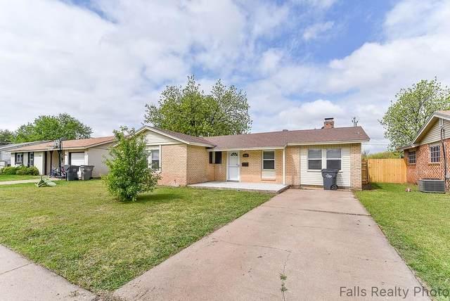5108 Rockpoint, Wichita Falls, TX 76310 (MLS #14569036) :: The Mauelshagen Group