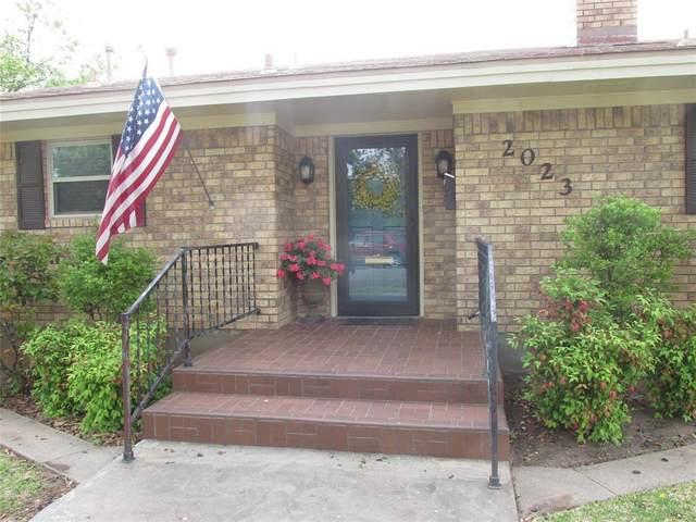 2023 Stanton Street, Brady, TX 76825 (MLS #14569244) :: Real Estate By Design