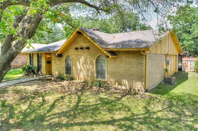 1107 Kingston Drive, Lewisville, TX 75067 (MLS #14569464) :: The Kimberly Davis Group