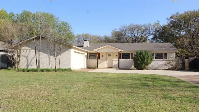412 Granada Calle Court, Granbury, TX 76049 (#14569660) :: Homes By Lainie Real Estate Group