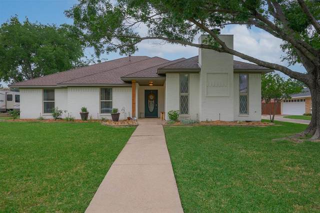 325 Greenleaf Street, Highland Village, TX 75077 (MLS #14569663) :: Real Estate By Design