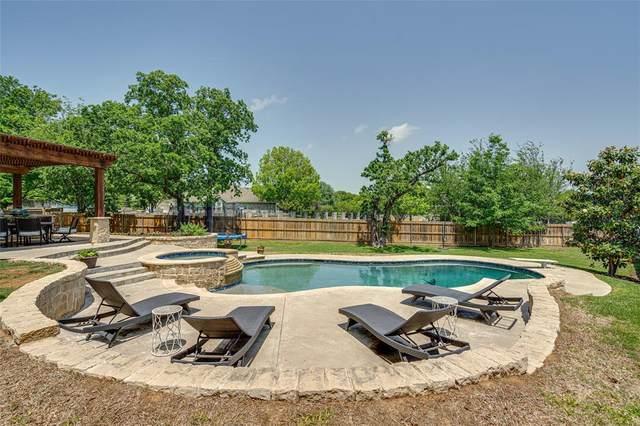 537 Austin Oaks Drive, Grapevine, TX 76051 (MLS #14569746) :: Frankie Arthur Real Estate