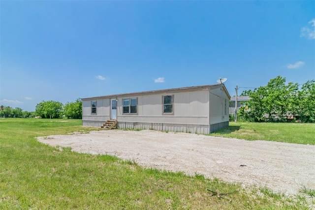 22229 Arapaho Road, Justin, TX 76247 (MLS #14569764) :: The Mauelshagen Group