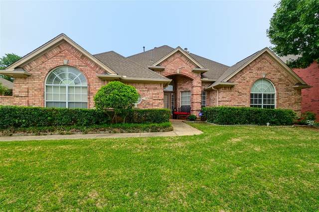 1216 Woodvale Drive, Bedford, TX 76021 (MLS #14569793) :: The Kimberly Davis Group