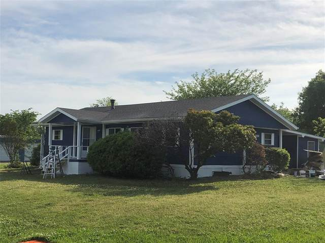 700 S Jackson Street, Wolfe City, TX 75496 (MLS #14569838) :: Real Estate By Design