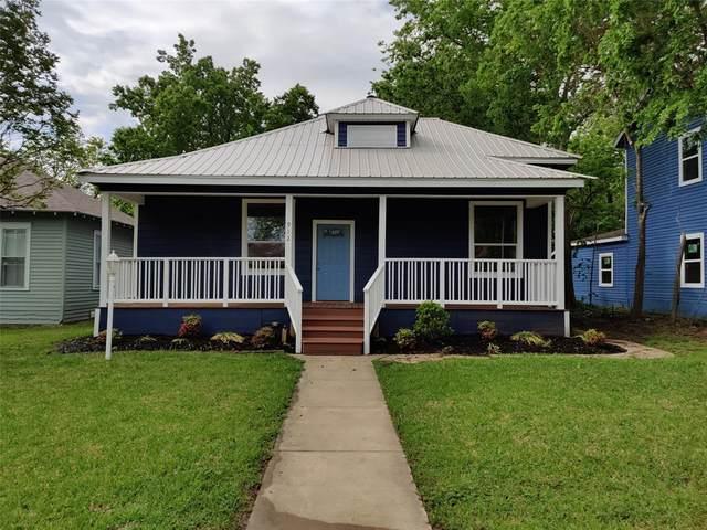 912 W Sears Street, Denison, TX 75020 (MLS #14569922) :: The Kimberly Davis Group