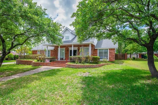 2106 Cherokee Loop, Graham, TX 76450 (#14569932) :: Homes By Lainie Real Estate Group