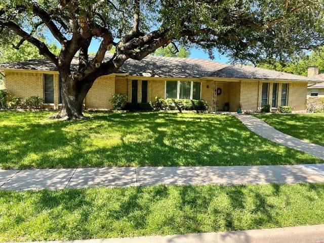 2821 Biscayne Drive, Plano, TX 75075 (MLS #14570065) :: Wood Real Estate Group