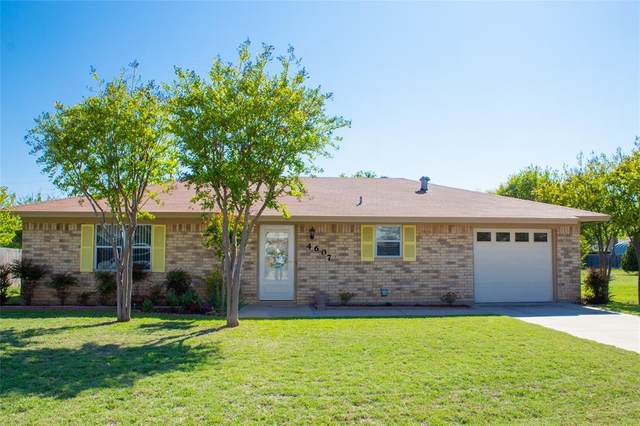 4607 Delwood Drive, Brownwood, TX 76801 (MLS #14570087) :: The Kimberly Davis Group