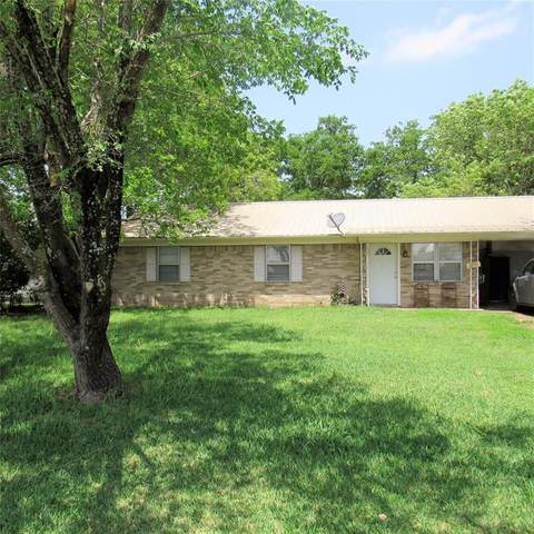 302 Sayle Street, Cumby, TX 75433 (MLS #14570089) :: Real Estate By Design