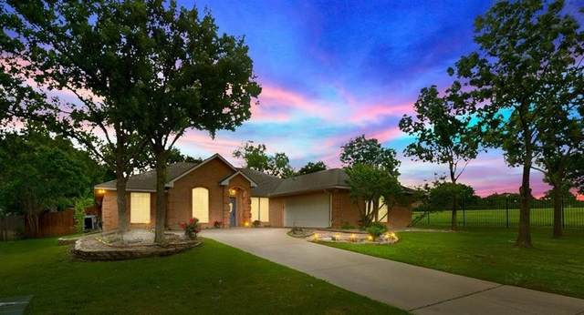 404 Glenbrook Drive, Kennedale, TX 76060 (MLS #14570140) :: Rafter H Realty