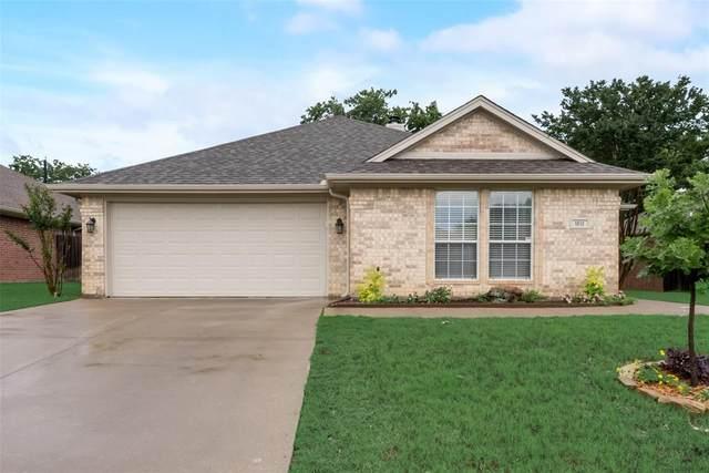 1012 Heberle Drive, Burleson, TX 76028 (MLS #14570367) :: Real Estate By Design