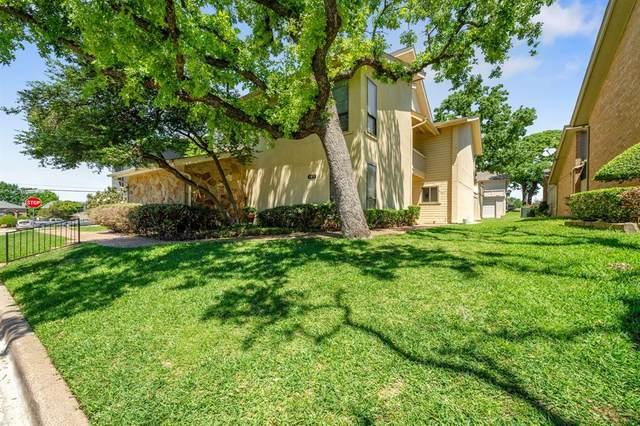 305 Oak Shadow Circle, Bedford, TX 76021 (MLS #14570430) :: EXIT Realty Elite