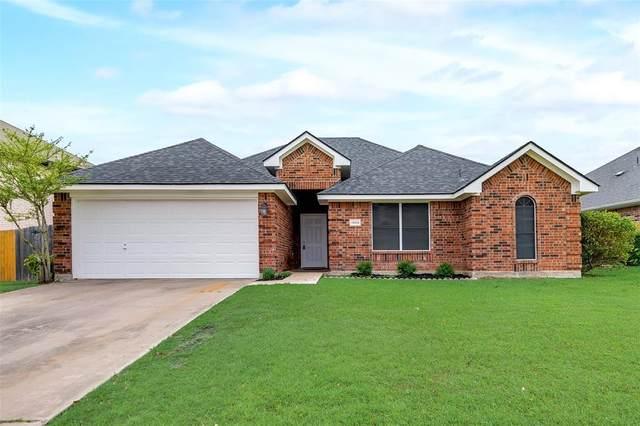 1909 Pebblebrook Lane, Sherman, TX 75092 (MLS #14570575) :: The Mitchell Group