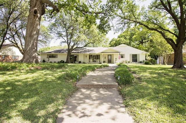 1415 Western Hills Drive, Sherman, TX 75092 (MLS #14570617) :: Craig Properties Group