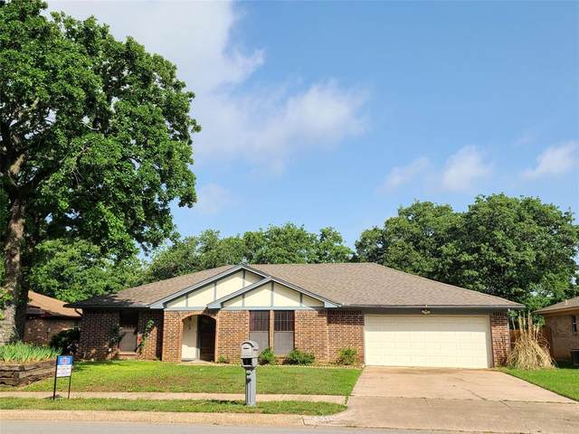 8117 Starnes Road, North Richland Hills, TX 76182 (MLS #14570619) :: Craig Properties Group