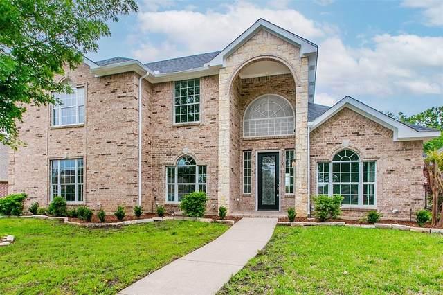 8119 Oak Hollow Drive, Arlington, TX 76001 (MLS #14570780) :: Trinity Premier Properties