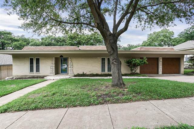 2209 Park Hill Drive, Arlington, TX 76012 (MLS #14570851) :: Team Hodnett