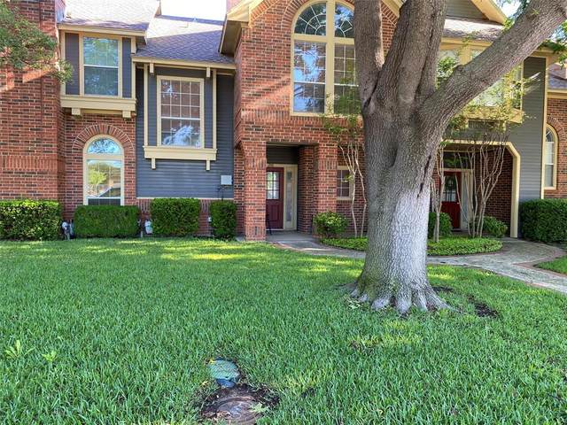 216 Cobblestone Row, Denton, TX 76207 (#14571168) :: Homes By Lainie Real Estate Group