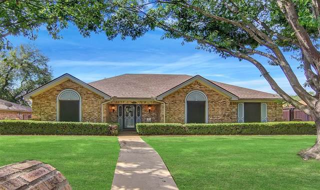 213 Baker Drive, Hurst, TX 76054 (MLS #14571210) :: The Kimberly Davis Group