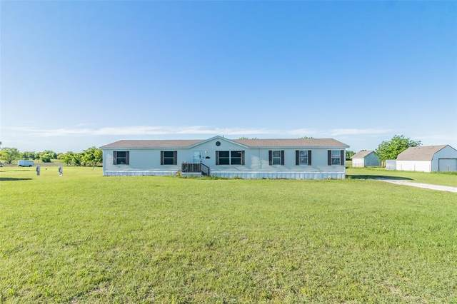 3913 Dove Meadows Lane, Joshua, TX 76058 (MLS #14571277) :: The Kimberly Davis Group