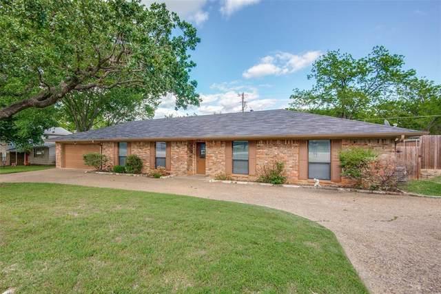 924 Highland Village Road, Highland Village, TX 75077 (MLS #14571316) :: Team Tiller