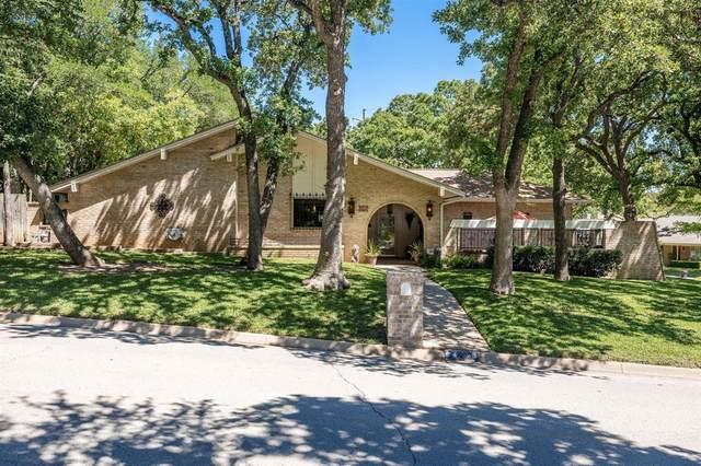 656 Springhill Drive, Hurst, TX 76054 (MLS #14571374) :: The Kimberly Davis Group