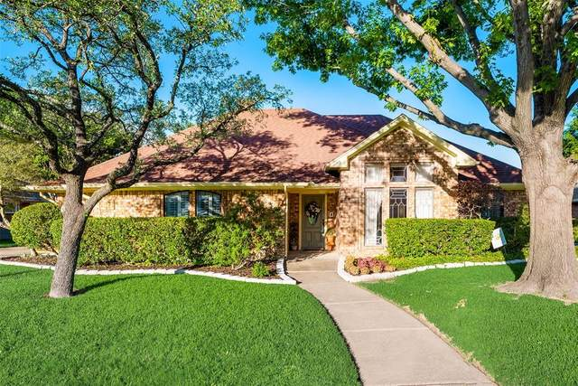 2113 Meadowview Drive, Garland, TX 75043 (#14571528) :: Homes By Lainie Real Estate Group