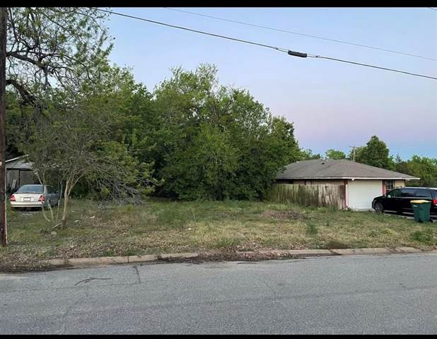 2115 S Montgomery Street, Sherman, TX 75090 (#14571551) :: Homes By Lainie Real Estate Group