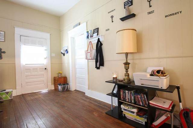 611 N College Avenue, Dawson, TX 76639 (MLS #14571577) :: Real Estate By Design