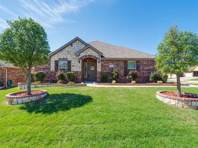 8717 Vista Royale Drive, Fort Worth, TX 76108 (MLS #14571680) :: Wood Real Estate Group