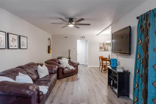 2809 Lineville Drive #207, Farmers Branch, TX 75234 (MLS #14571727) :: Frankie Arthur Real Estate