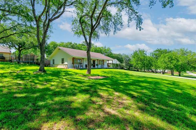 146 Songwood Drive, Weatherford, TX 76087 (#14571770) :: Homes By Lainie Real Estate Group