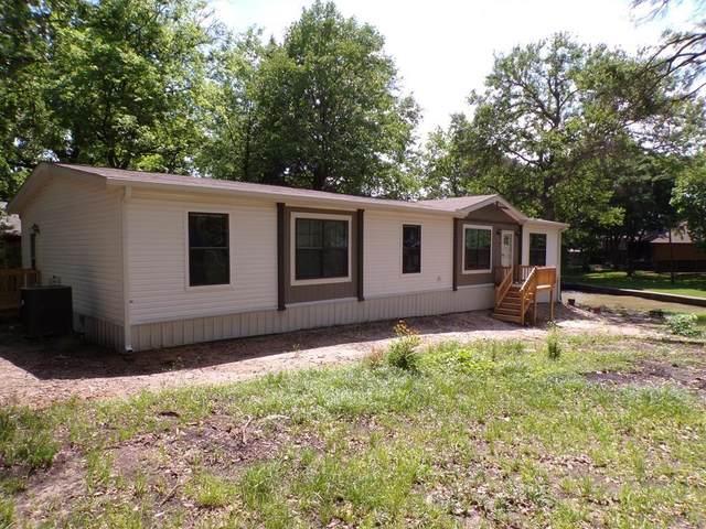 105 Lakewood Drive, Mabank, TX 75156 (MLS #14571975) :: The Kimberly Davis Group
