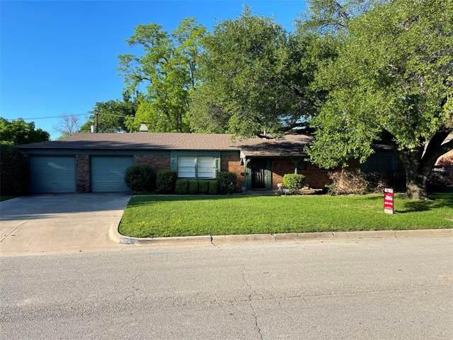 7433 Hovenkamp Avenue, Richland Hills, TX 76118 (MLS #14572081) :: The Kimberly Davis Group