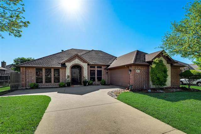 3030 Coventry Lane, Waxahachie, TX 75165 (#14572150) :: Homes By Lainie Real Estate Group