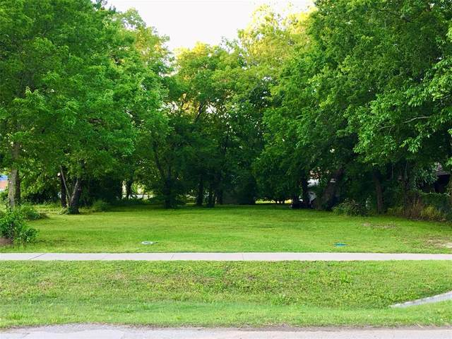 702 W Grove Street, Terrell, TX 75160 (MLS #14572151) :: Real Estate By Design