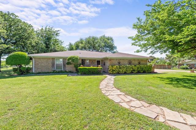 10313 Lisa Jean Drive, Crowley, TX 76036 (MLS #14572621) :: All Cities USA Realty