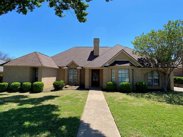 2020 Ridgewood, Bedford, TX 76021 (MLS #14572662) :: The Chad Smith Team