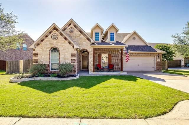 621 Celeste Lane, Burleson, TX 76028 (MLS #14572693) :: Craig Properties Group