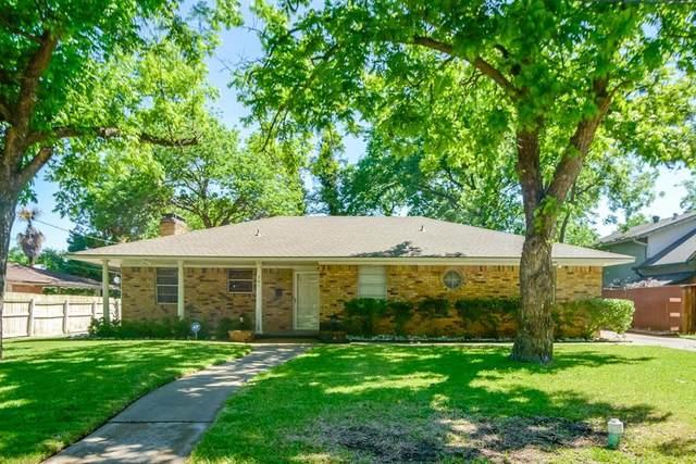 301 Woodhaven Drive, Desoto, TX 75115 (MLS #14572939) :: Team Hodnett