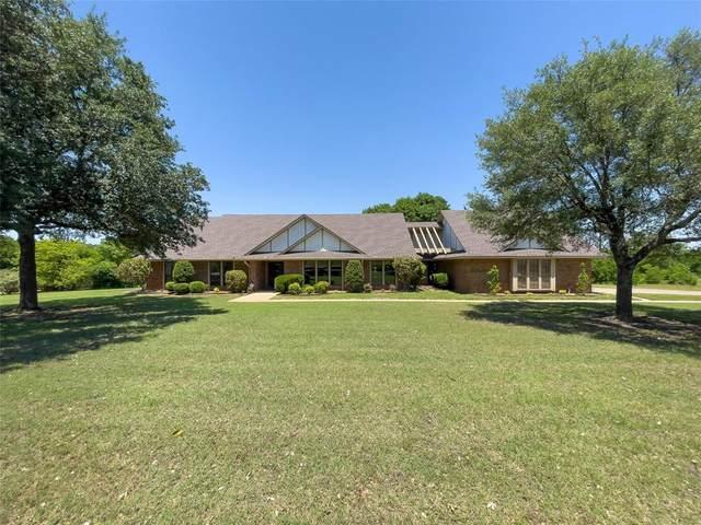 217 Oak Creek Drive, Waxahachie, TX 75165 (#14573046) :: Homes By Lainie Real Estate Group