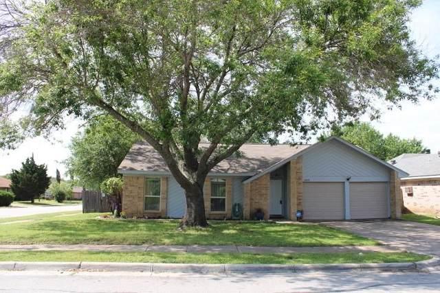 2328 Brookdale Drive, Arlington, TX 76014 (MLS #14573130) :: Rafter H Realty