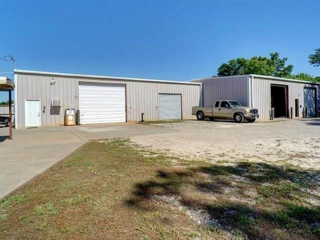 220 S First Street, Sanger, TX 76266 (MLS #14573206) :: Frankie Arthur Real Estate
