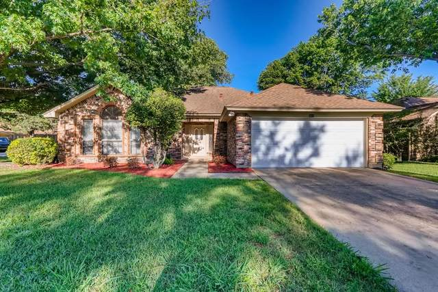 2613 New Bedford Court, Bedford, TX 76022 (MLS #14573327) :: The Chad Smith Team