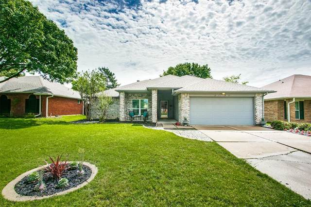 2120 Bentley Drive, Flower Mound, TX 75028 (#14573337) :: Homes By Lainie Real Estate Group