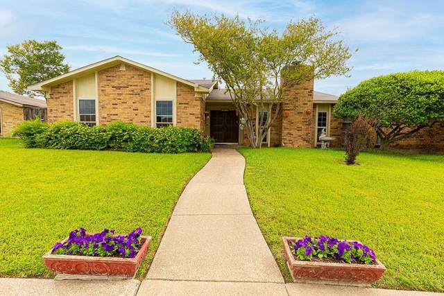 2929 Tres Logos Lane, Dallas, TX 75228 (MLS #14573364) :: Frankie Arthur Real Estate