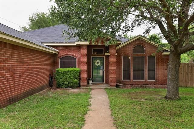680 Honeysuckle Lane, Cedar Hill, TX 75104 (MLS #14573887) :: The Chad Smith Team